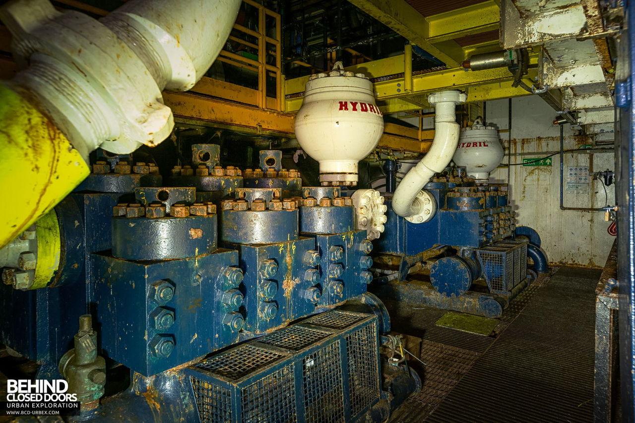 brent-delta-oil-rig-16.jpg