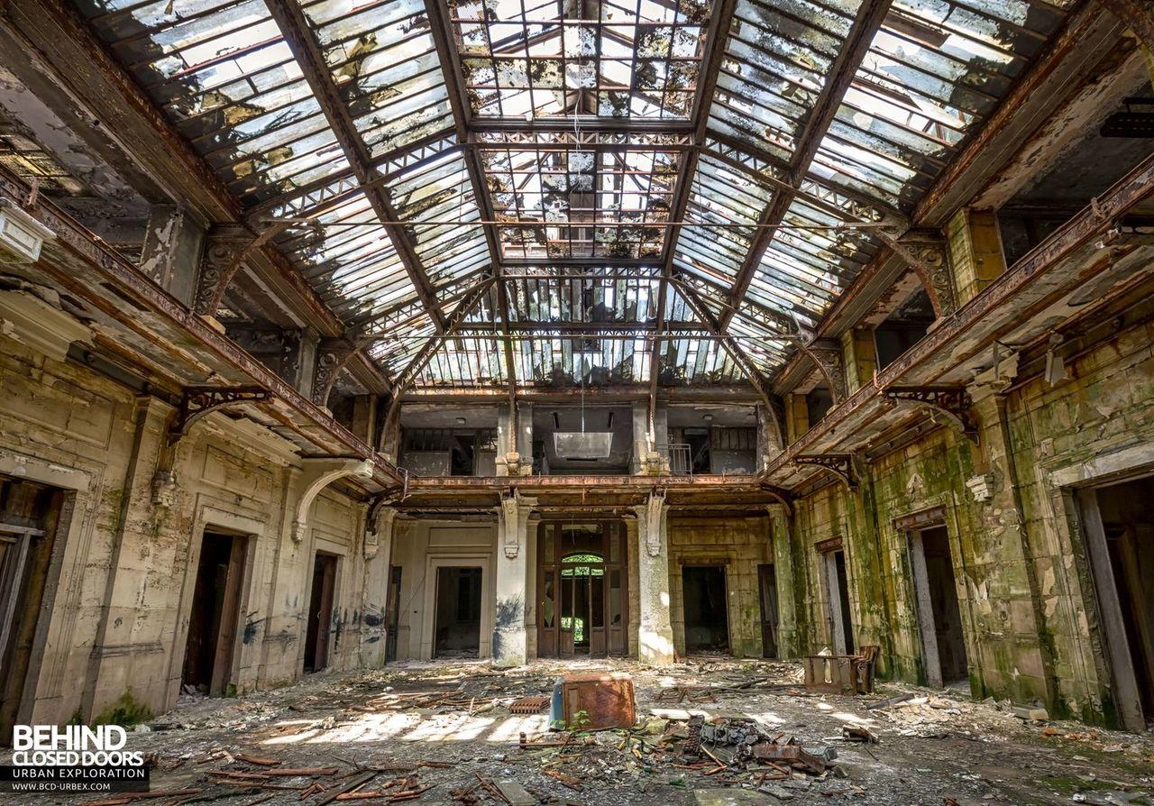 bureau-central-steel-works-offices-florange-1.jpg