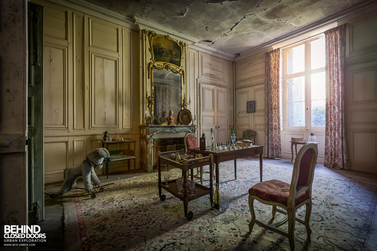 chateau-french-house-7.jpg