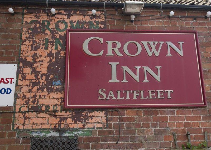 CrownInn-Saltfleet_zpsf8e5b48d.jpg
