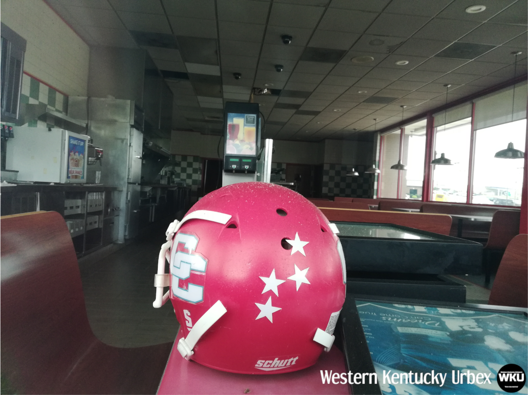 USA - An abandoned Huddle House and Back Yard Burger in ...